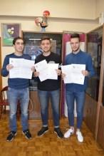 Los internacionales con las cartas de felicitación de FESOFI y FEGASOFI