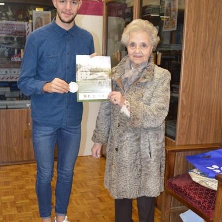 Recibiendo Premio de Croacia